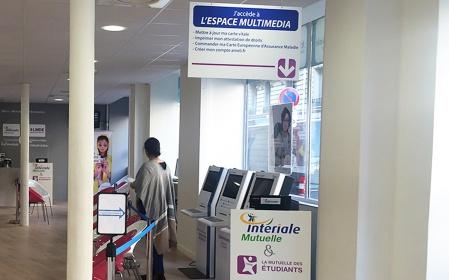 Kiosco de recepción de pacientes interiale mutuelle