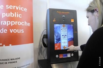 borne-interactive-visioconférence-services-publics