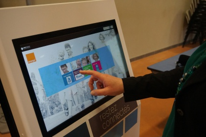 bornes interactives tactiles IPM France accueil mairie information ville smart city