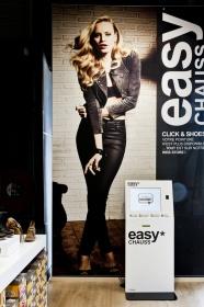 borne-tactile-commande-magasin-la-halle