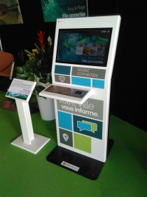 bornes interactives tactiles IPM France accueil mairie information ville