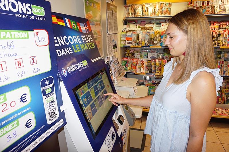 Borne interactive la Francais des jeux FDJ