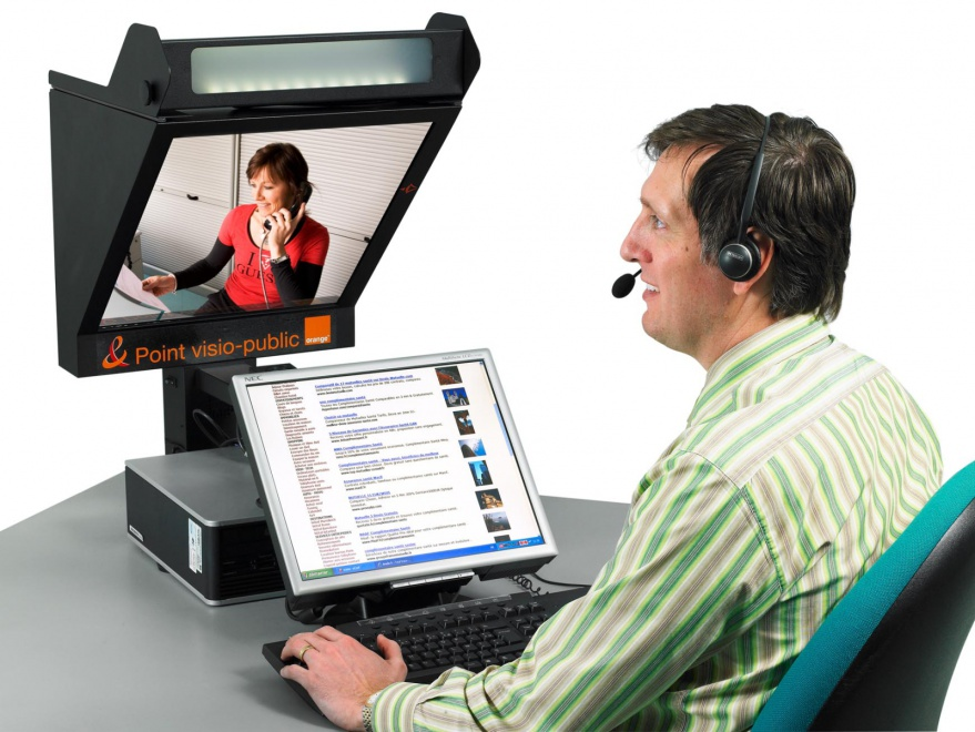 borne-interactive-agent-visioconférence-services-publics-