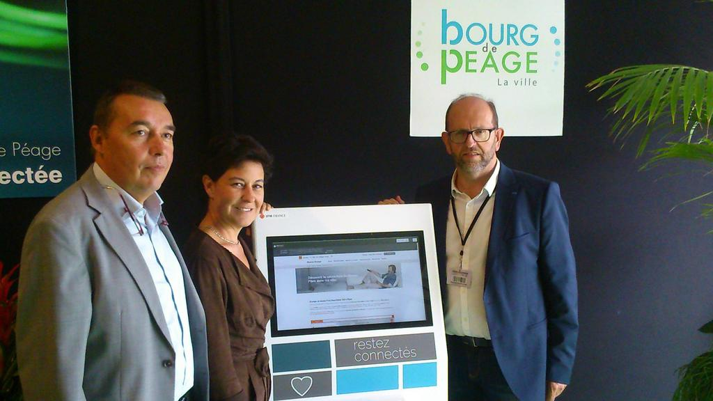 bornes interactives tactiles IPM France accueil mairie information