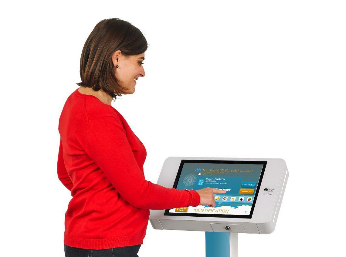 borne-digitale-interactive-tablette-ipmfrance