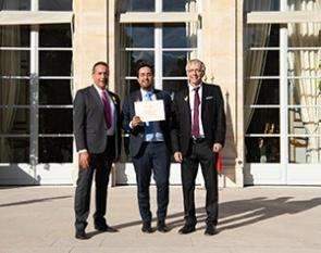 Remise du Pass French Tech à l'élysée par Mounir Mahjoubi